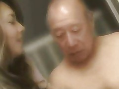 Yumi Kazama video porno asiatiche in autobus porno